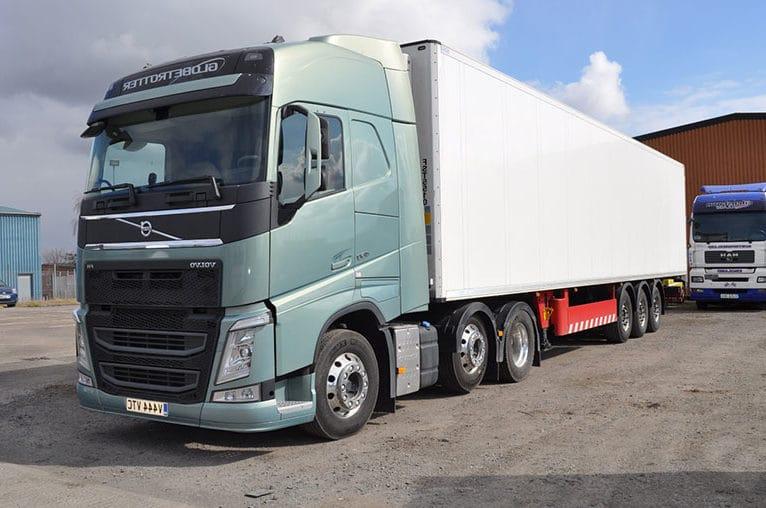matériel disponible camion Volvo FH 40